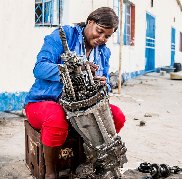 Success-Story-Gearbox-Lady